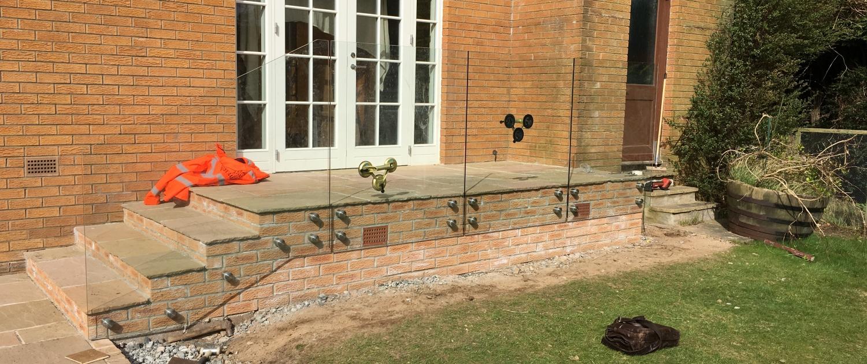 frameless glass balustrade stainless steel fittings